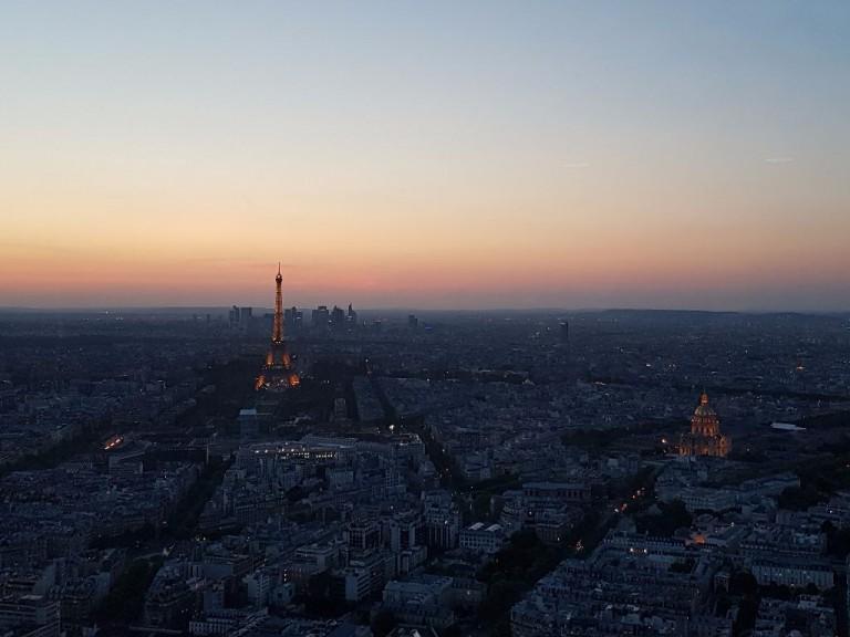 Paris in der Abenddämmerung