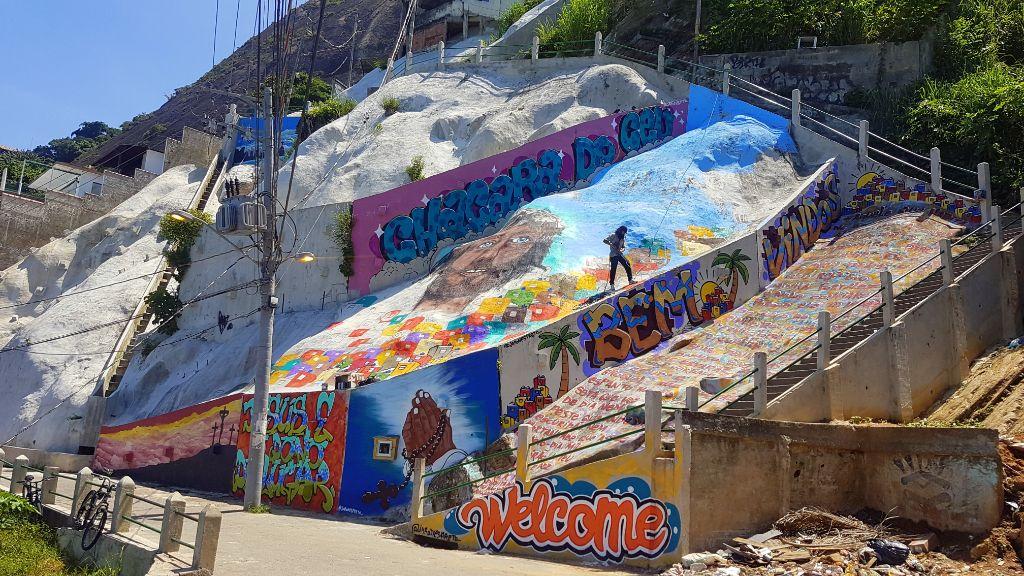 Geheimtipp in Rio de Janeiro: In Vidigal entsteht ein riesiges neues Streetart-Kunstwerk