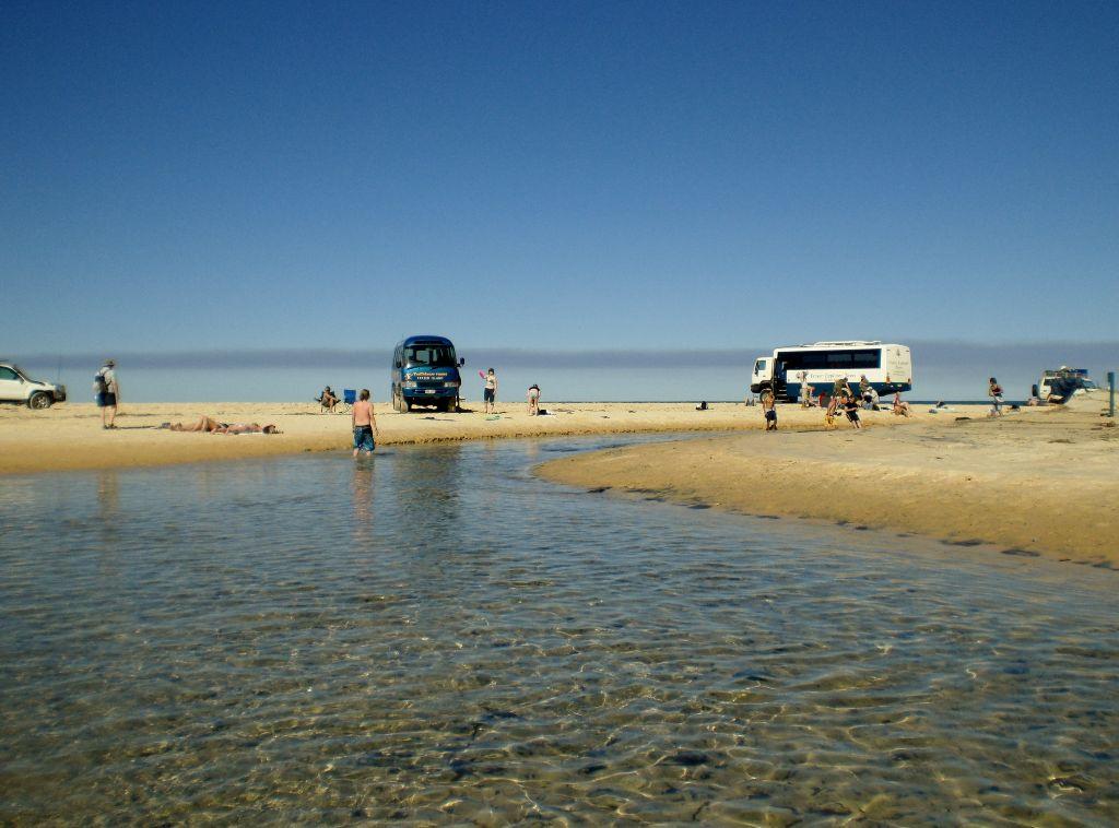 Autofahren am Strand: Fraser Island - Sehenswürdigkeiten Australien Ostküste – Reiseroute Australien Ostküste im Überblick