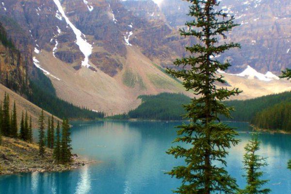 Der Lake Loiuse in Kanadas Westen ist ein Muss auf jeder Reiseroute