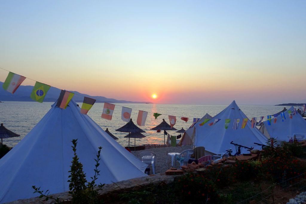 Glamping in Ksamil am Strand - Backpacking in Albanien