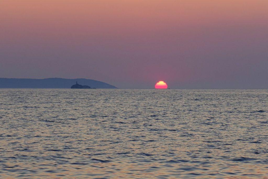 Sonnenuntergang in Ksamil - Highlight auf deiner Albanien-Reise