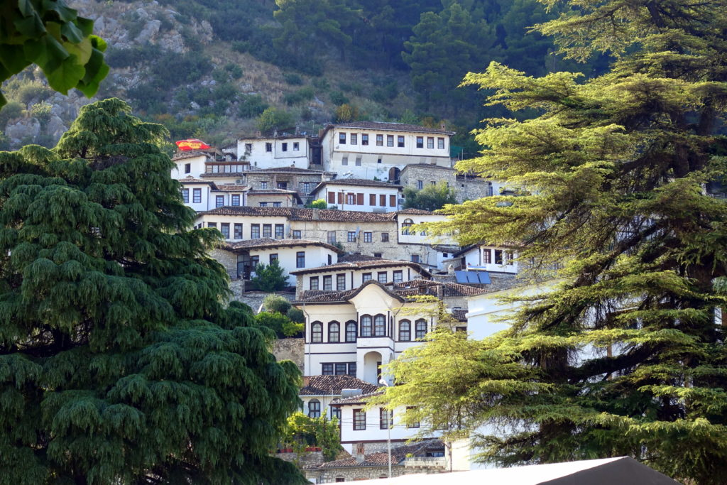 Albanien-Reiseroute: Berat ist ein Highlight auf deiner Route als Backpacker