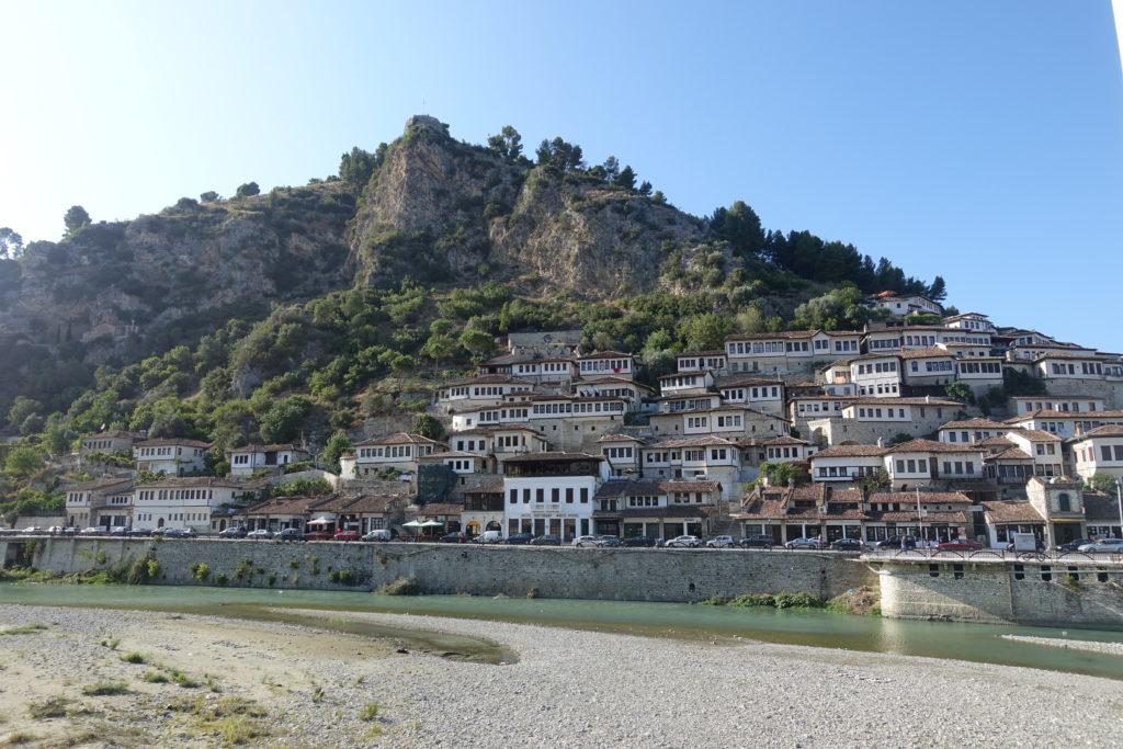 Backpacking in Albanien – Berat gehört zu den Sehenswürdigkeiten auf deiner Albanien-Rundreise