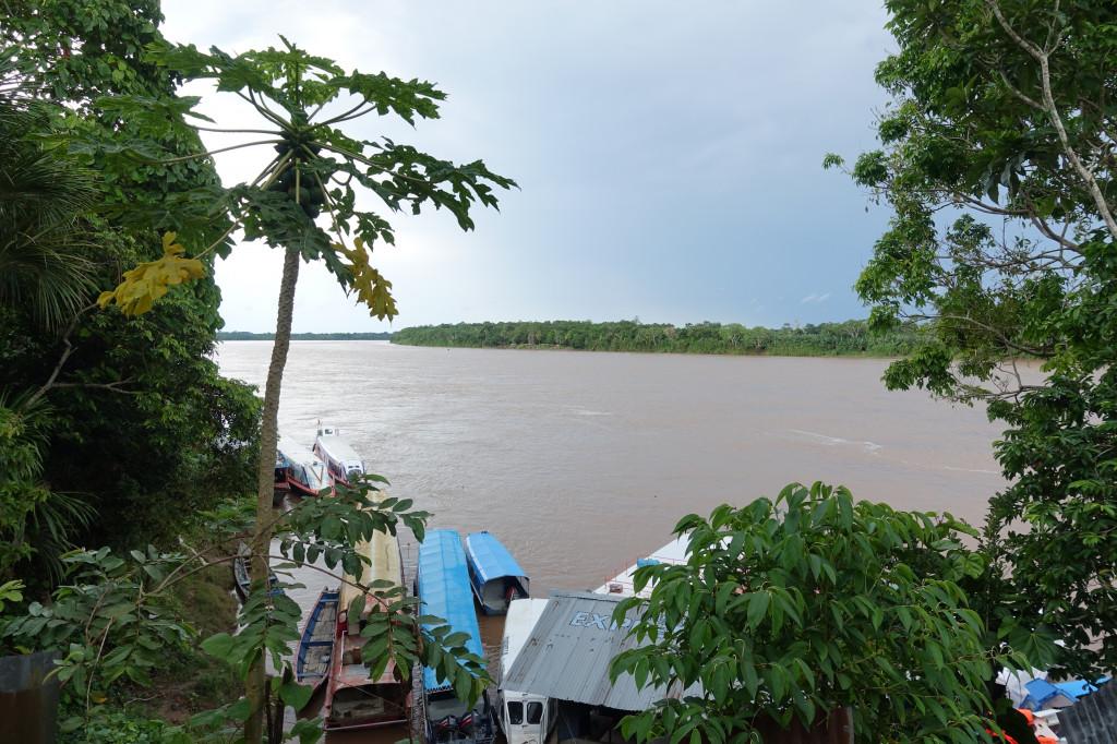 Zufluss zum Amazonas im Norden Perus in Yurimaguas