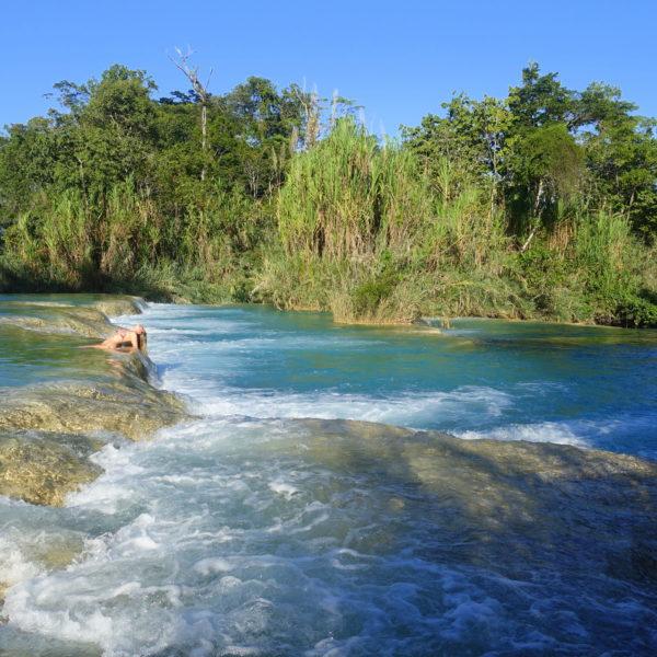 Chiapas Reiseroute und Sehenswürdigkeiten: Die Agua Azul Wasserfälle sind ein echtes Highlight in Chiapas
