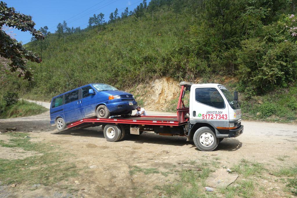 Reifenpanne in Guatemala mit unserem Eurovan - Vanlife