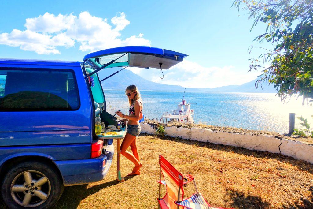 Camping und Vanlife in Guatemala am See