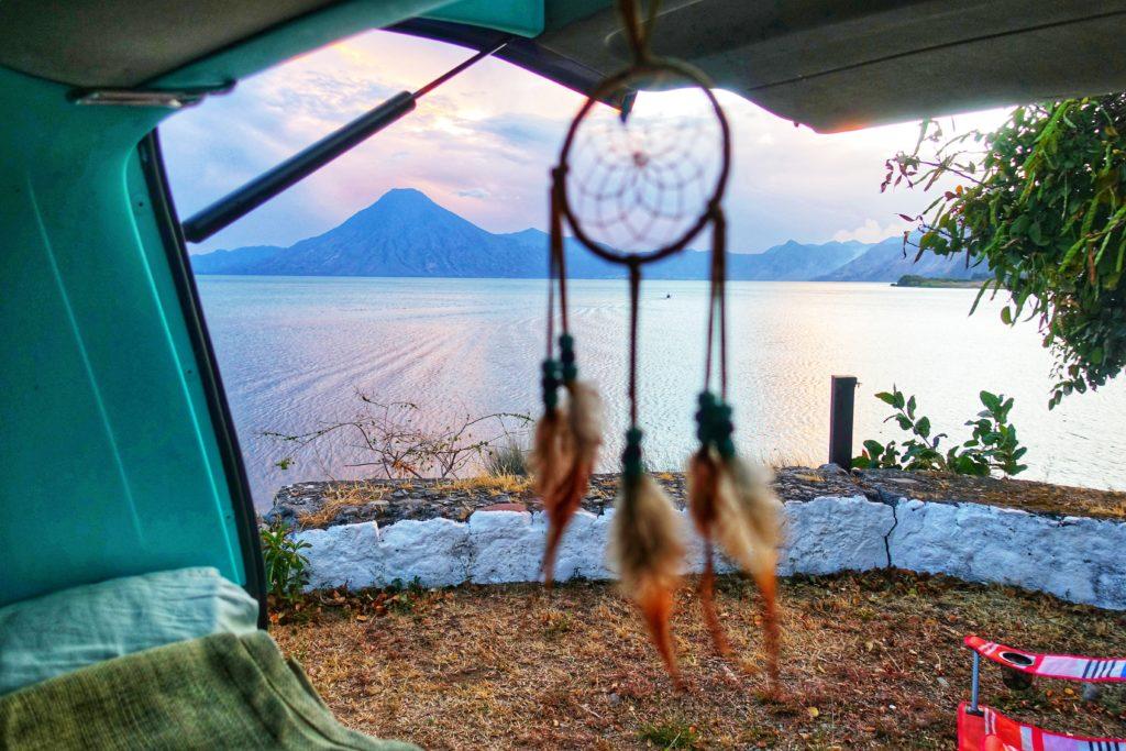Guatemala-Reiseroute für Backpacking & Vanlife & Sehenswürdigkeiten - Camp in Panajachel am Lago Atitlán