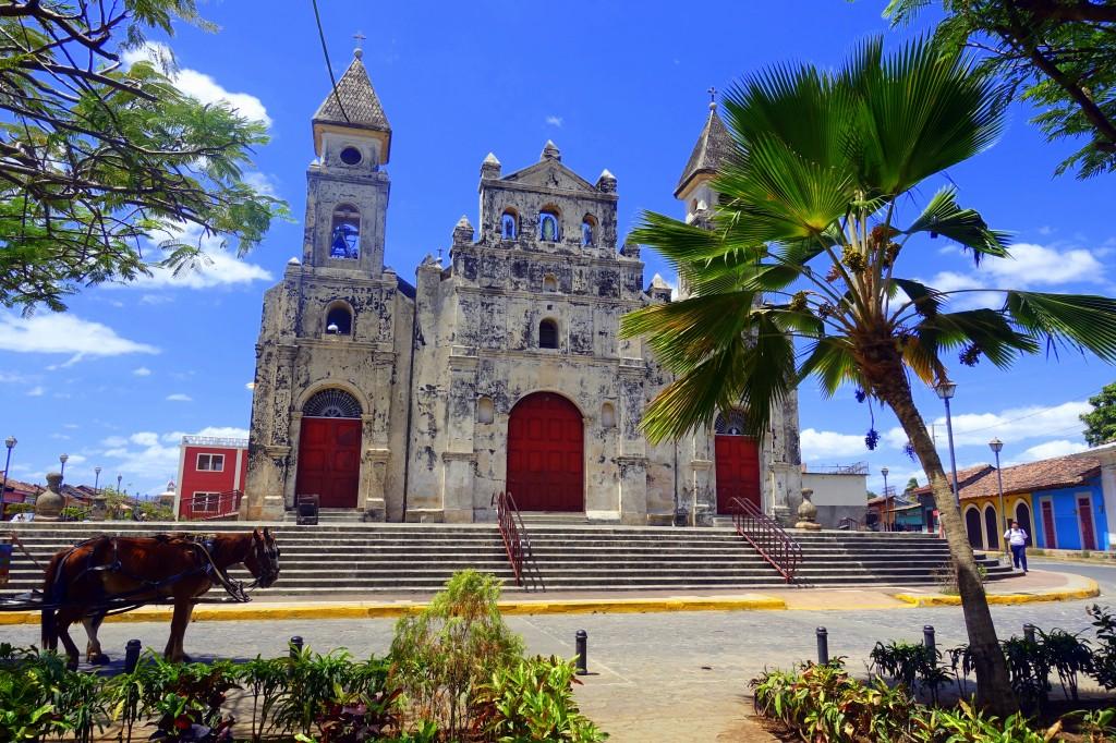 Wunderschöne Kirche in der Altstadt von Granada - Nicaragua Reisebericht