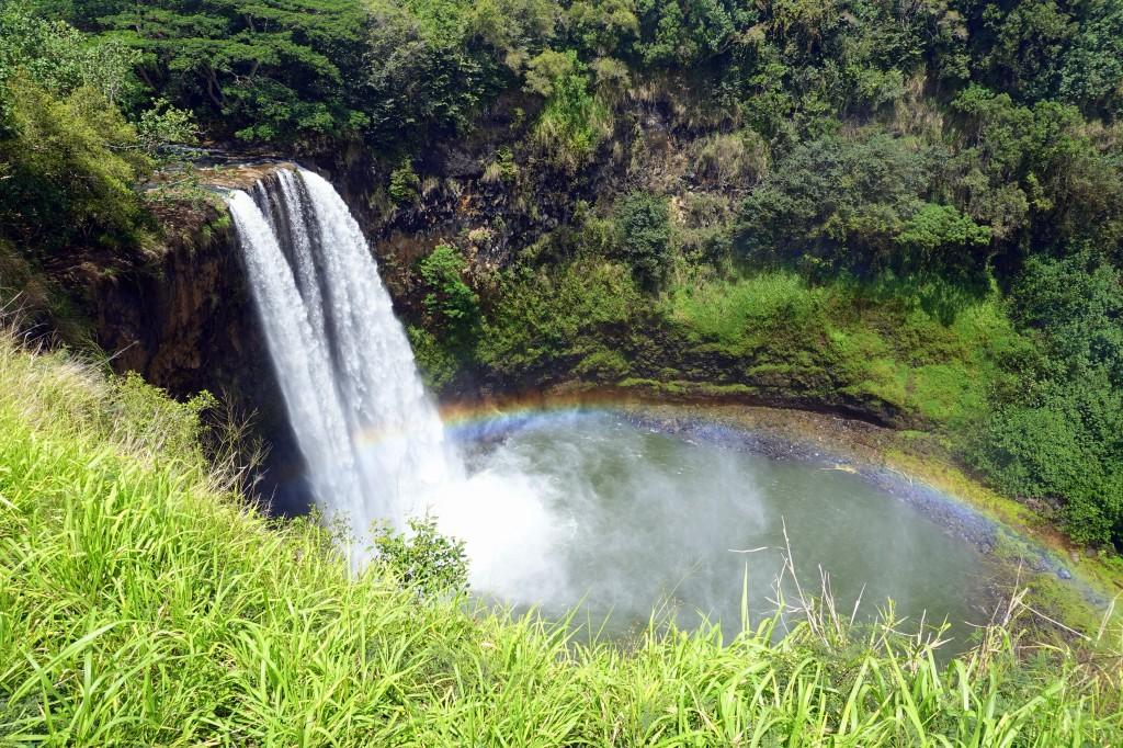Sehenswürdigkeiten auf Kauai - Wailua Falls mit Regenbogen