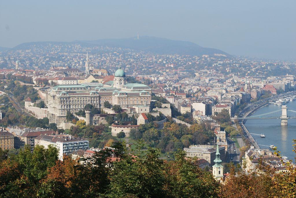 Sehenswürdigkeiten in Budapest für deinen Städtetrip an die Donau: Aussicht vom Gellert Hügel