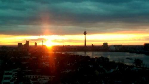 Sehenswürdigkeiten in Düsseldorf: Rheinturm
