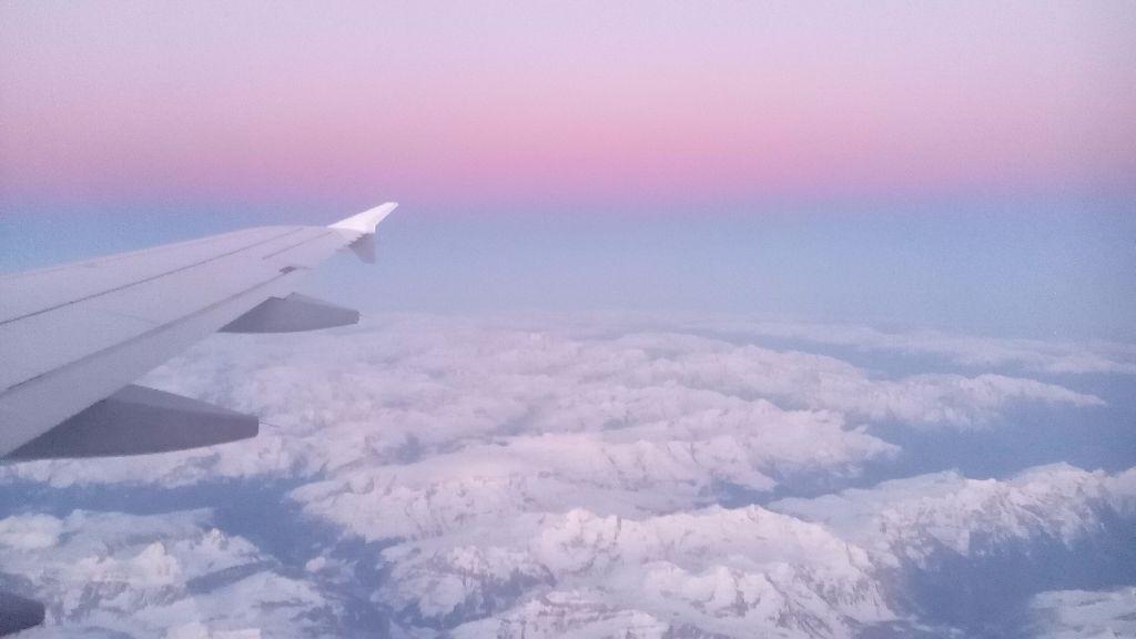 Entdecke unsere Tipps und Tricks um billige Flüge zu finden. Work Travel Balance