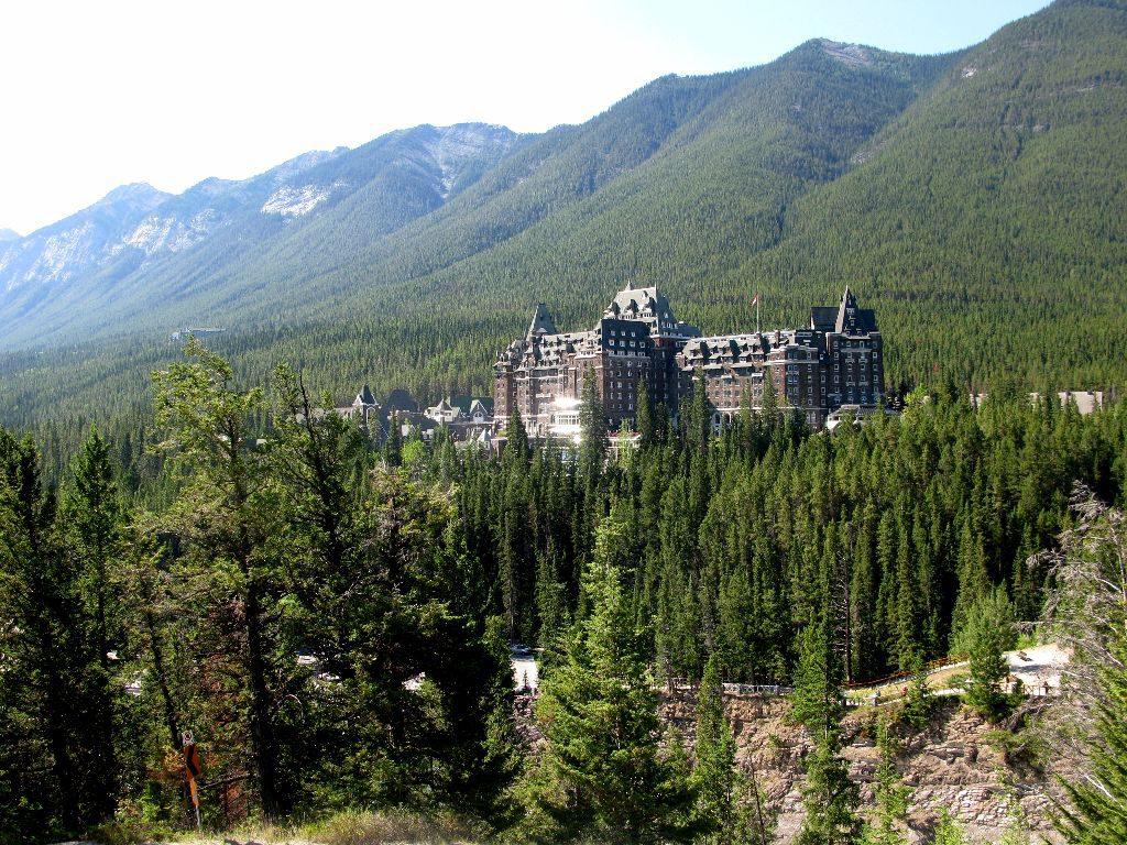 Das Hotel Fairmont Banff Springs ist eines unserer Sehenswürdigkeiten im Reisebericht über den Westen von Kanada.
