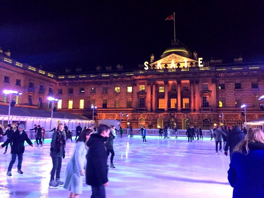 Schlittschuhlaufen am Somerset House- Sehenswürdigkeiten in London