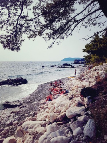 Sehenswürdigkeiten in Montenegro: schöner Strand in Bar