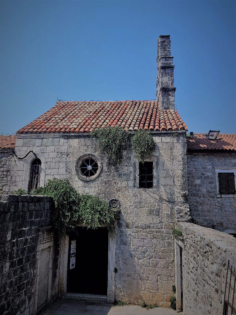 Montenegro-Reisetipps: Altes Haus in der Altstadt von Budva