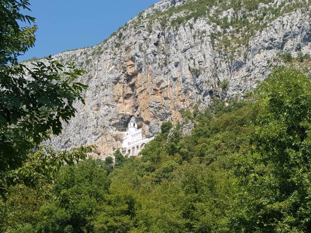 Sehenswürdigkeit in Montenegro: Ostrog Kloser im Berg