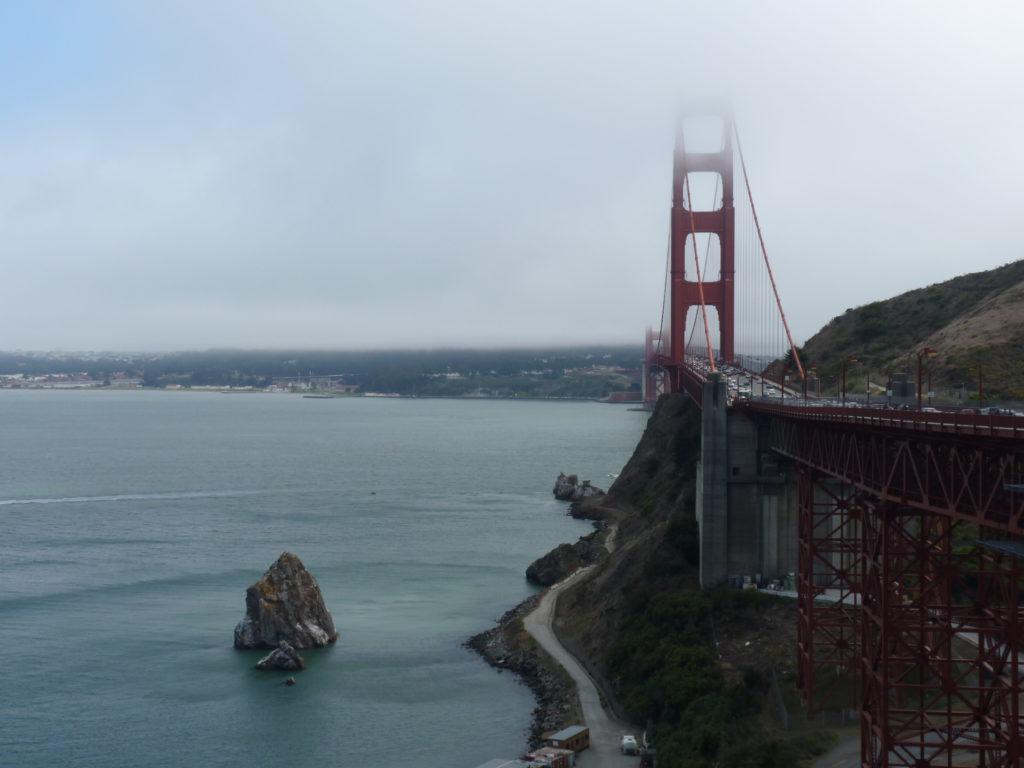 Golden Gate Bridge in San Francisco ist ein Highlight in Kalifornien auf deiner Rundreise an der Westküste der USA