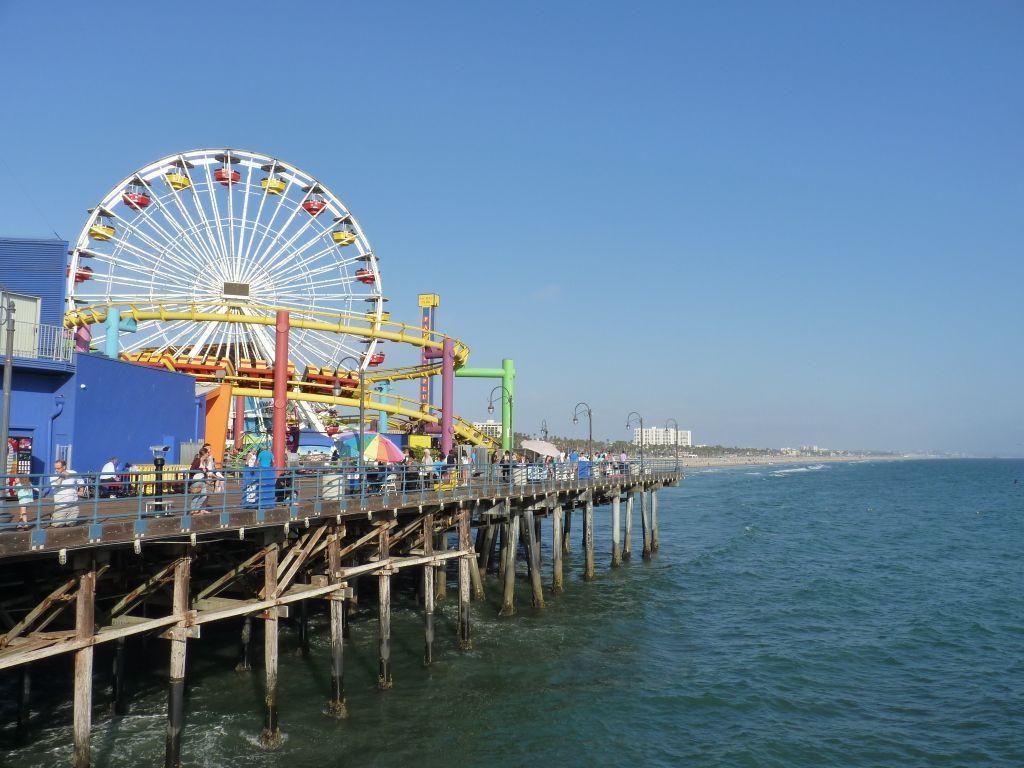 Sehenswürdigkeiten in Los Angeles: Der Steg in Santa Monica mit dem berühmten Riesenrad