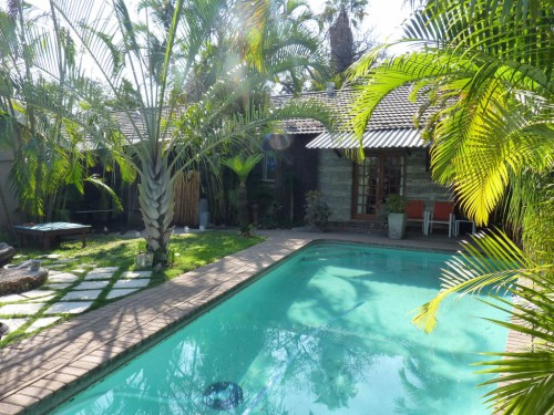Top Preis-Leistungsverhältnis: Unsere Unterkunft außerdem des Krüger Nationalparks hatte sogar einen Swimmingpool und einen schön bepflanzten Garten