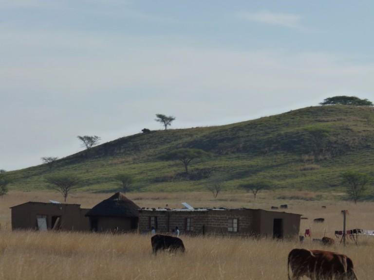 Swasiland - Hütten in der Landschaft