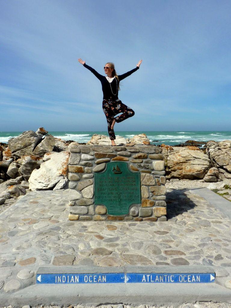 Highlights Garden Route: Am Cape Agulhas treffen sich nicht nur die Ozeane, sondern auch die Landschaft ist besonders schön