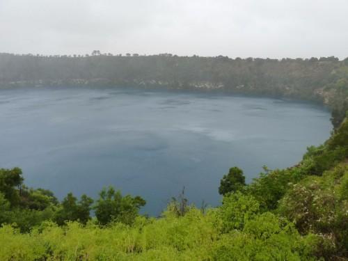 Der Blue Lake in Mount Gambier ist eigentlich wunderschön blau. Da wir mal wieder Regen hatten, war er bei uns nicht ganz so schön blau