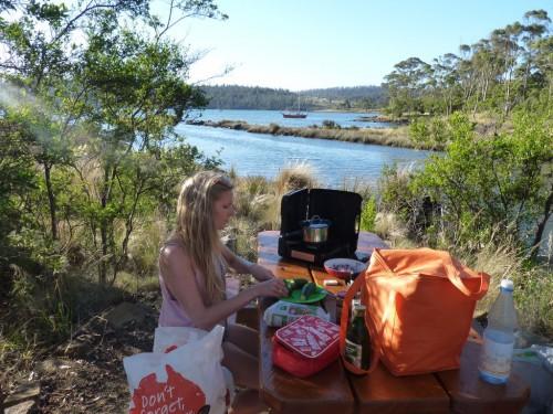 Backpacking in Tasmanien: Camping in Tasmanien für Backpacker und Selbstfahrer. Die richtige Grundausrüstung sollte nicht fehlen
